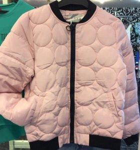 Курточка-бомбер розовая