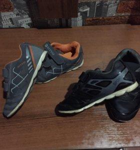 Кроссовки,осенние ботиночки для мальчика