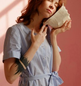 Дизайнерское платье полосатое