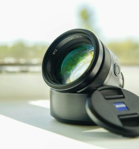 Sony Carl Zeiss planar t* 85mm f/1.4 za