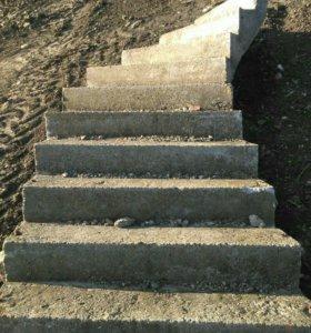 Бетоно-монолитная лестница