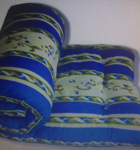 Матрац ,наматрасник,подушки одеяло полотенце