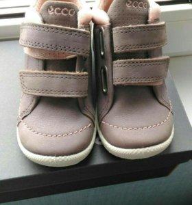 Новые детские ботинки ecco