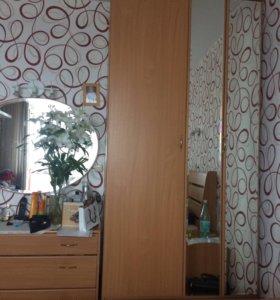 Спальня(Кровать,шкаф,комод)