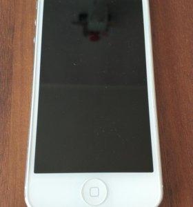 Айфон 5 на 16 Гб