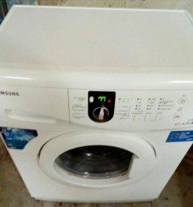 В продаже стиральная машина SAMSUNG 4 кг.
