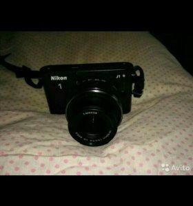 Nikon J 1