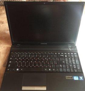 Ноутбук Samsung NP300V5A-S0PRU