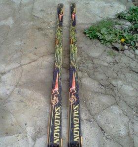 Продаю лыжи без креплений и ботинок