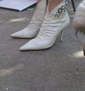 Ботиночки новые 38р