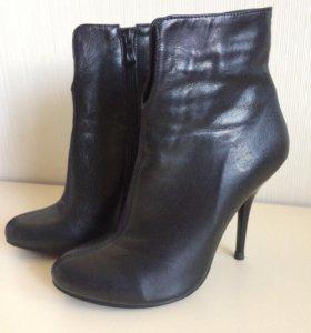 Полусапожки(ботильоны,ботинки)женские 36 размер