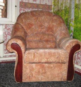 Диван полукруглый и два кресла