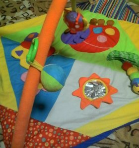 Продаю детский развивающий коврик