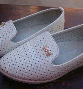 Лоферы(туфли для девочки) размер 31.