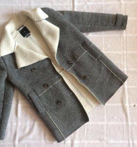 Утеплённое пальто Zara M