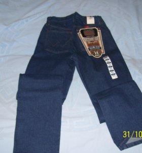 джинсы Wrangler. Темно-синий цвет (индиго).
