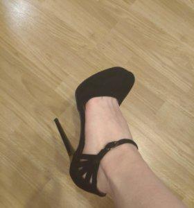Туфли вечерние новые