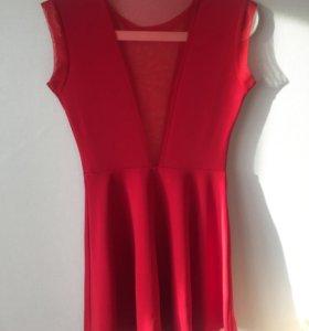 Сексуальное платье с декольте