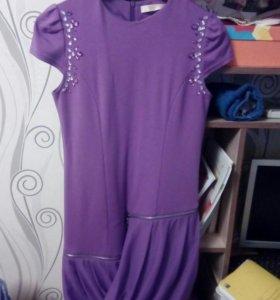 Платье . На девочку .