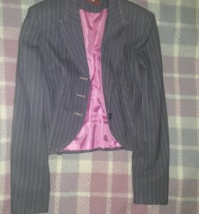 Пакет вещей: пиджаки, рубашки, брюки