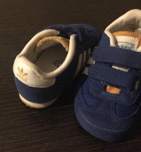 Детские фирменные кроссовки Адидас adidas размер20