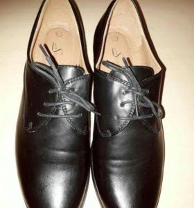 НОВЫЕ женские ботинки р 40