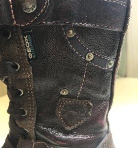 Geox кожаные сапоги для девочек 26 размер, осень