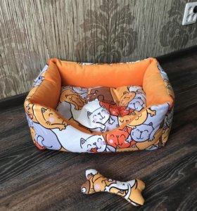 Лежанка для кошек или собак