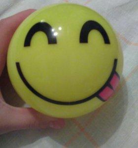Emogi мячик