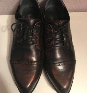 Женские кожаные туфли / ботинки