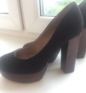 Туфли каблуки 39 р Catwalk