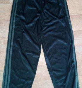 Новые спортивные штаны с этикеткой