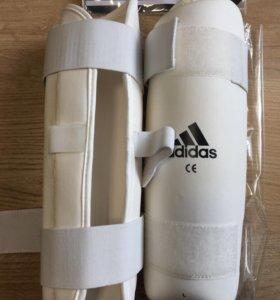 Щитки adidas для муай тай и тд.