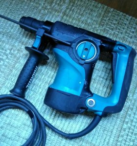 Перфоратор Makita HR 2811 FT