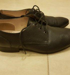 Туфли на мальчика 39 р