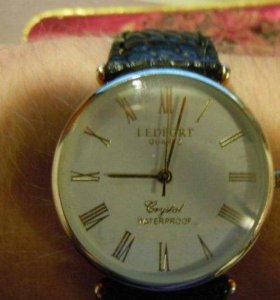 Часы без ремешка (под ремешок 18мм)