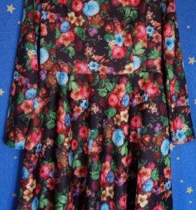 Красивое цветочное платье 48р