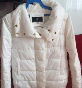 Тёплая курточка в отличном состоянии