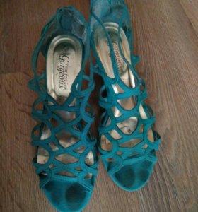 Бирюзовые туфли на каблуке 39р