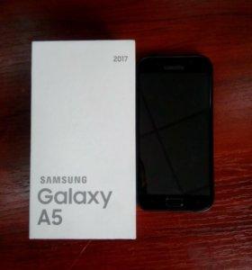 Смартфон Samsung (A520F) Galaxy A5 (2017) 32Gb LTE