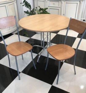 Стол и два стула для кухни