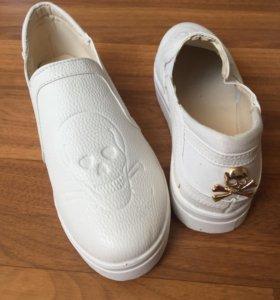 Продаю обувь размер 38