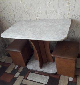 Стол и два пуфика