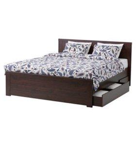 Каркас кровати с матрасом