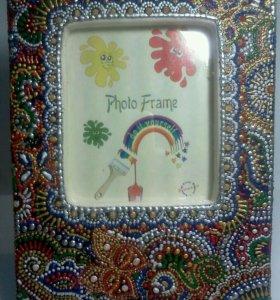Рамка для фото декорированная точечной росписью.
