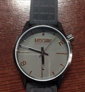 Часы MOSCHINO MW0270 SHEAPANDCHIC