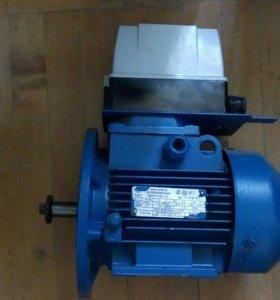 Двигатель асинхронный АИР 71В2 У3