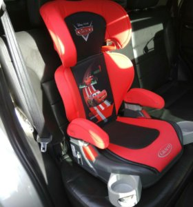 Детское автокресло-бустер Graco Junior Maxi.