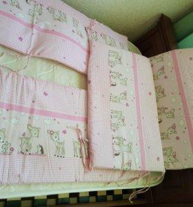 Комплект на детскую кроватку