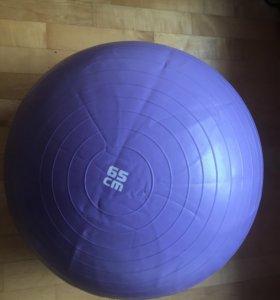 Мяч TORNEO 65 см, коробка, насос все в комплекте